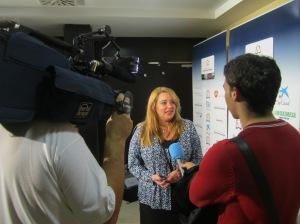 Elena González, vicepresidenta de la FCHP, atiende a los medios de comunicación (2011)